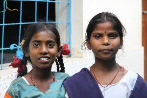 Dhan Karunai Illam - Swetha et Anna Lakshmi