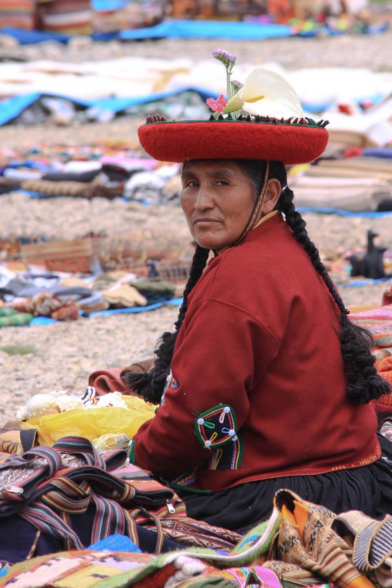 Pérou - sur le marché de Chinchero village de la vallée sacrée