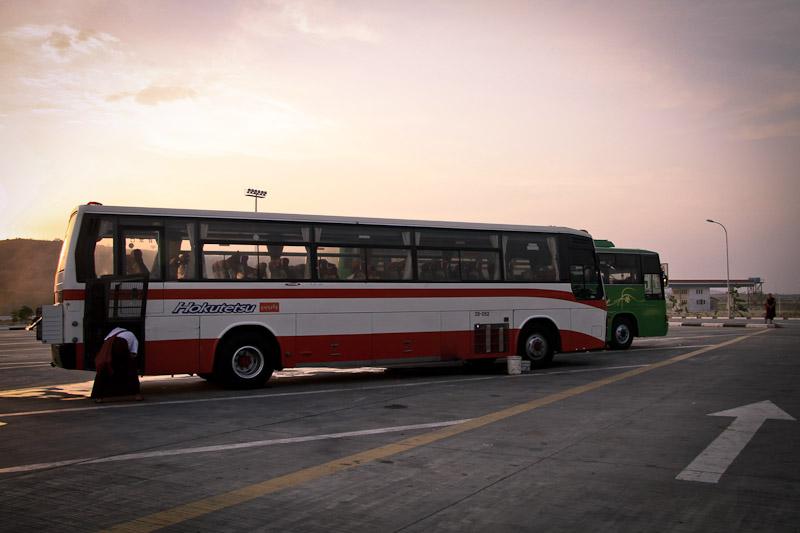 Voyager en bus en Birmanie - Arrêt refroidissement moteur