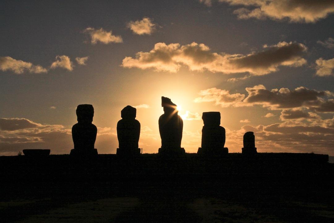 J'arrive à l'ile de Paques, ma porte d'entrée sur l'Amérique du sud, dernier continent de ce tour du monde
