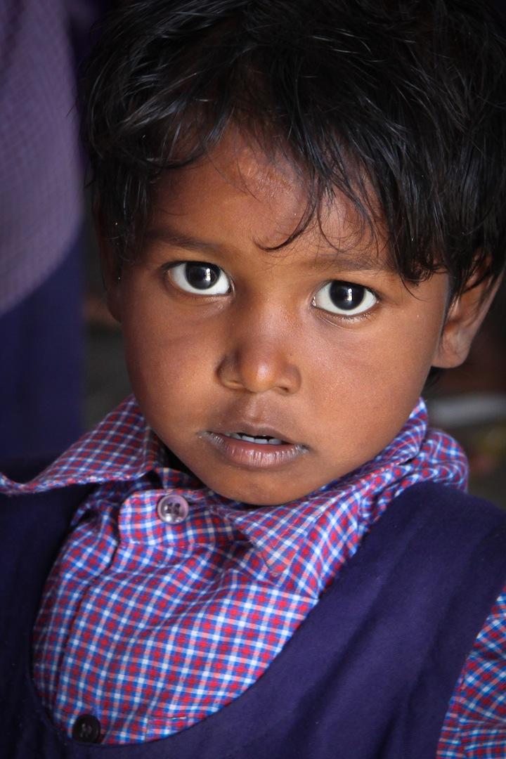 Petite fille de l'école adjacente à l'orphelinat d'Inde du sud où je suis allée au début de ce tour du monde