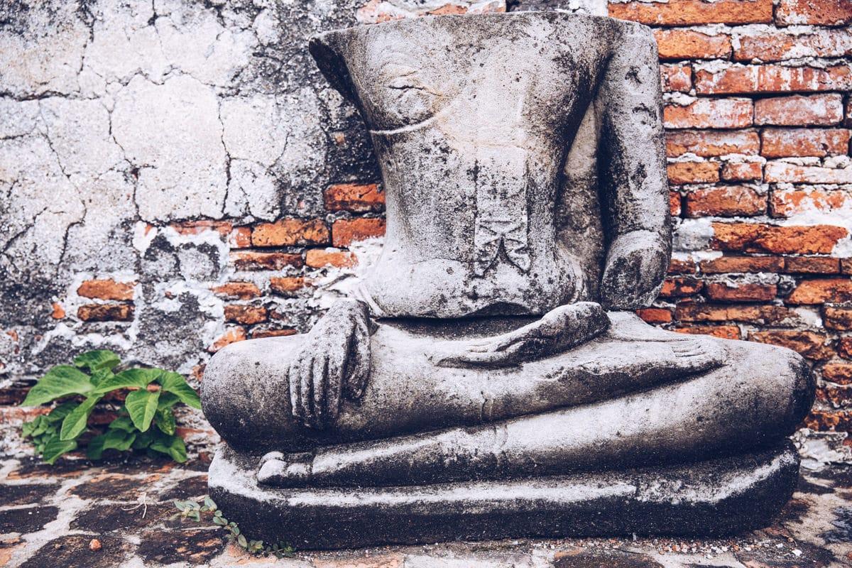 Statue du Wat Mahathat à Ayutthaya - Thaïlande