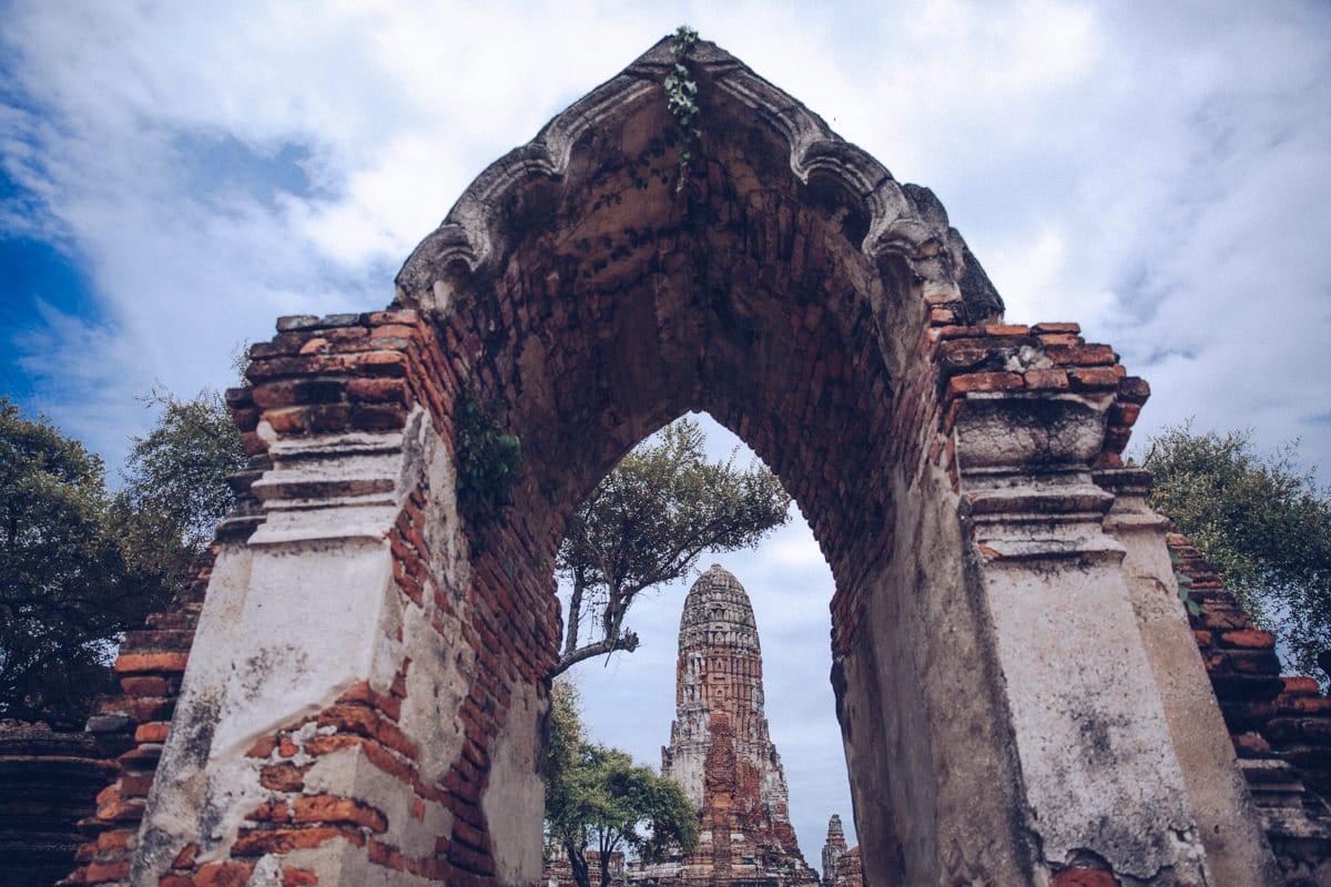 Le wat Ratchaburana est un temple d'inspiration khmer qui se trouve dans le parc archéologique d'Ayutthaya en Thaïlande