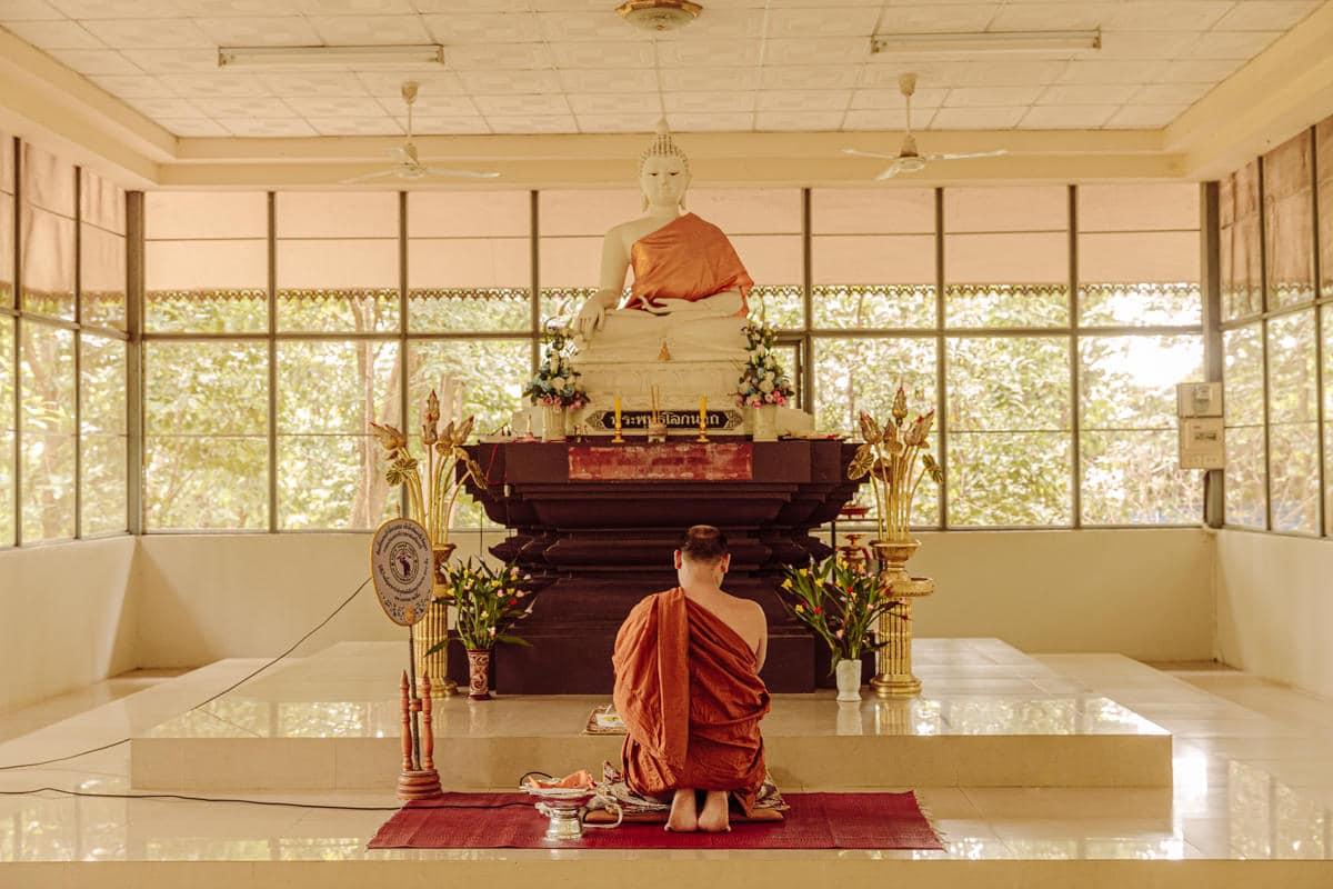 Initiation à la méditation au Wat Umong à Chiang Mai