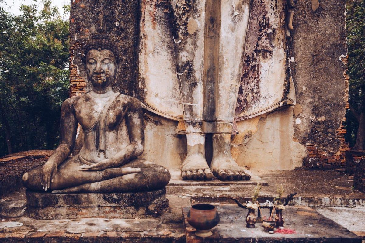 Bouddha du Wat Saphan Hin, parc historique de Sukhothai - Thaïlande