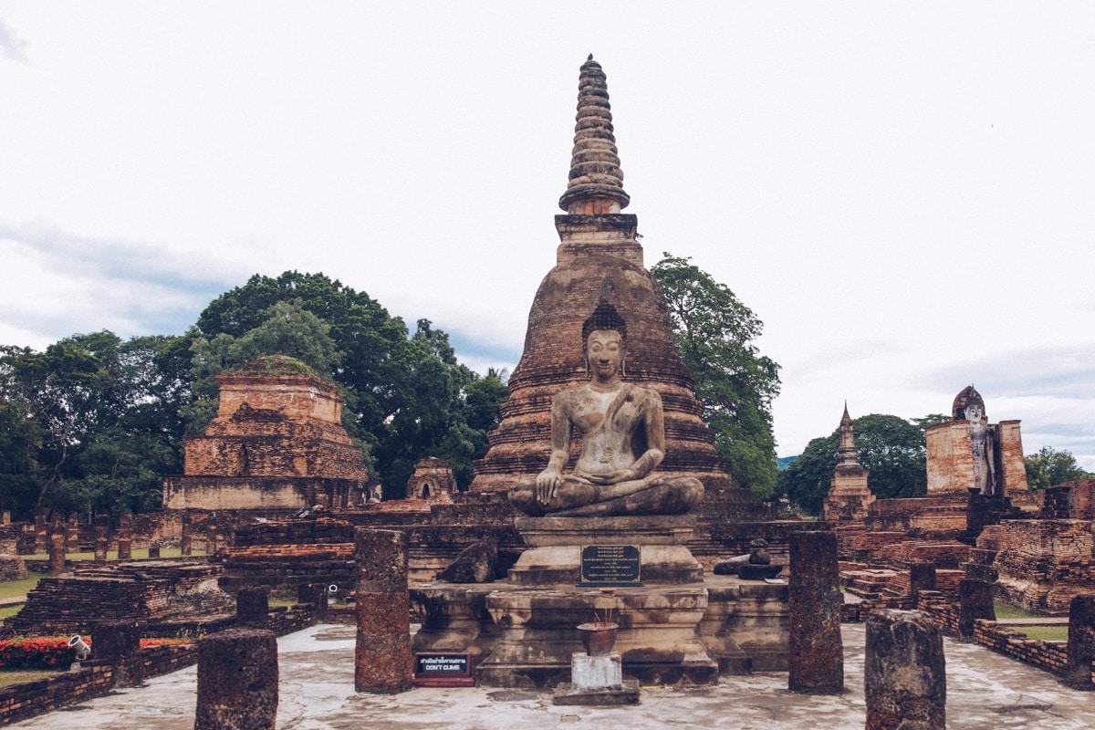 Wat Mahathat, parc historique de Sukhothai, Thaïlande