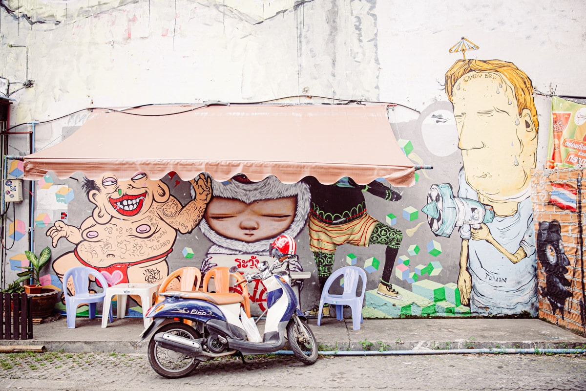 Une oeuvre de Street art à Chiang Mai de l'artiste Thaï Alex Face