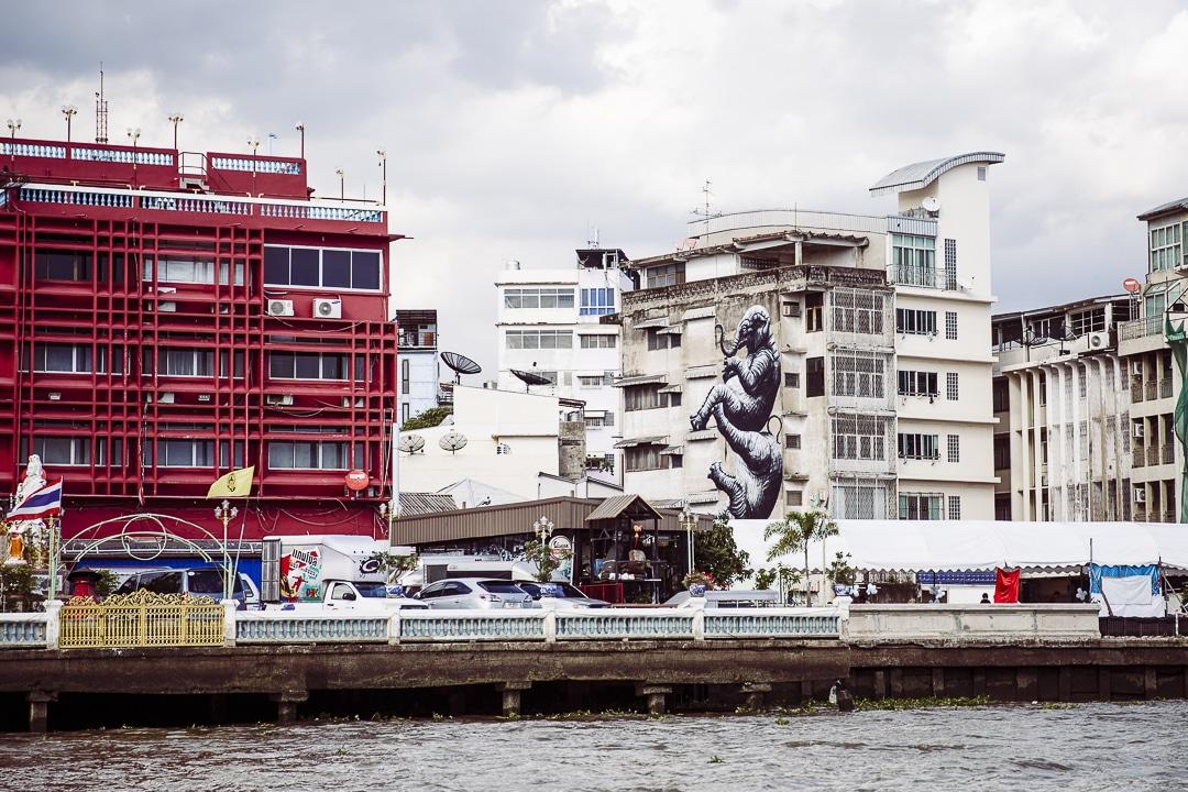 Streetart à bangkok : Les éléphants de l'artiste belge Roa