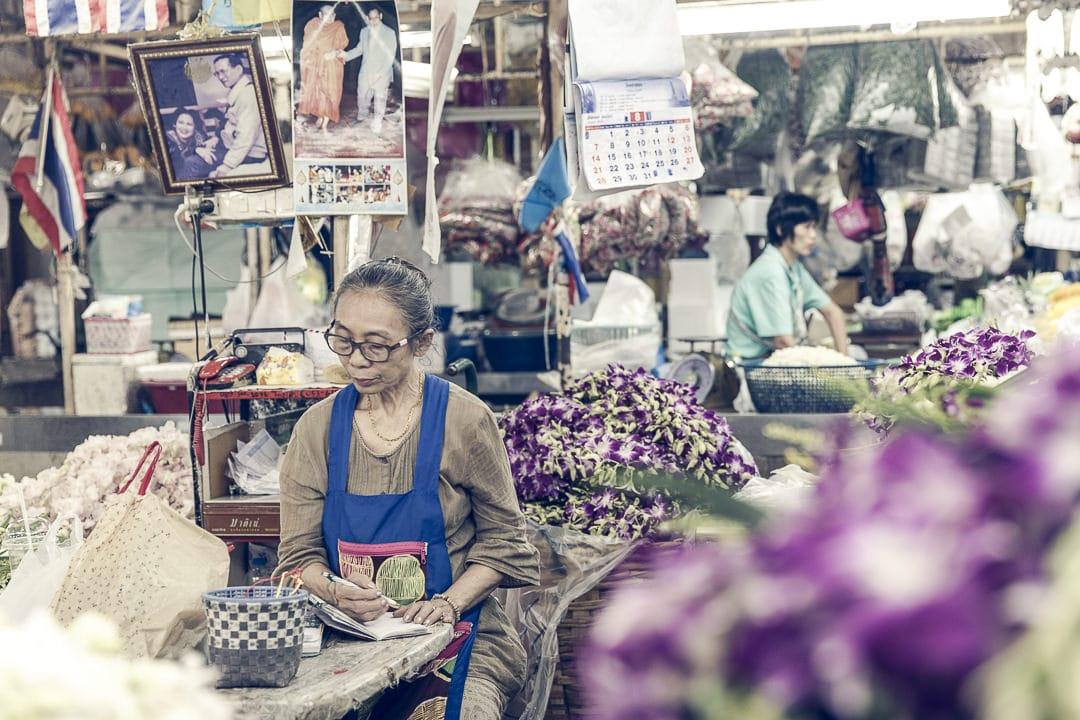 Le marché aux fleurs Pat Klong market - Bangkok, Thailande