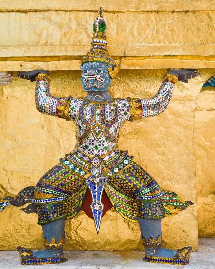 Visiter le grand Palais à Bangkok, c'est croiser de belles créatures