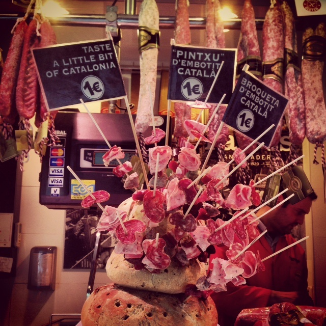 Brochettes de charcuterie la boqueria Barcelone