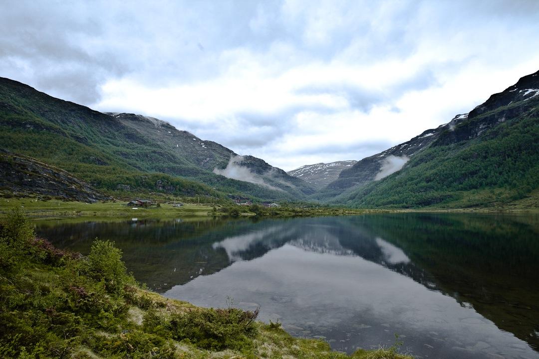 Randonnée dans la vallée d'Aurland dans les fjords de Norvège