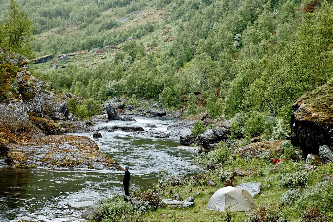 Randonnée dans la vallée d'Aurland dans les fjord en norvège