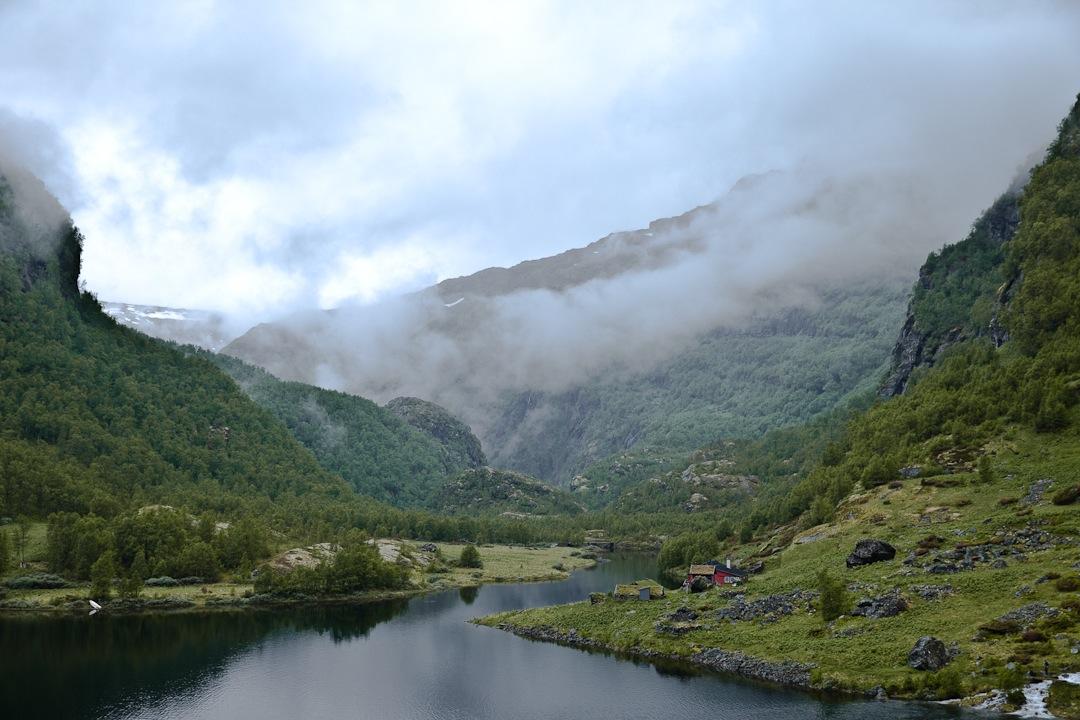 Paysage typique de la vallée d'Aurland dans les fjords en norvege