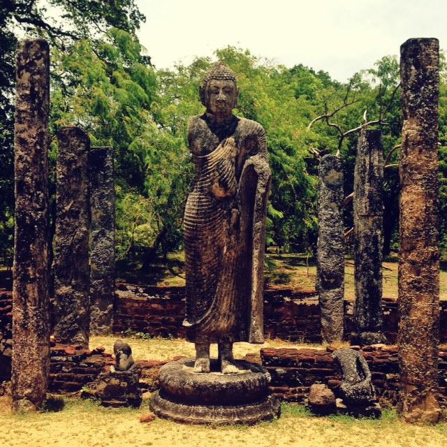 Bouddhisme au Sri Lanka - adatage pollonaruwa