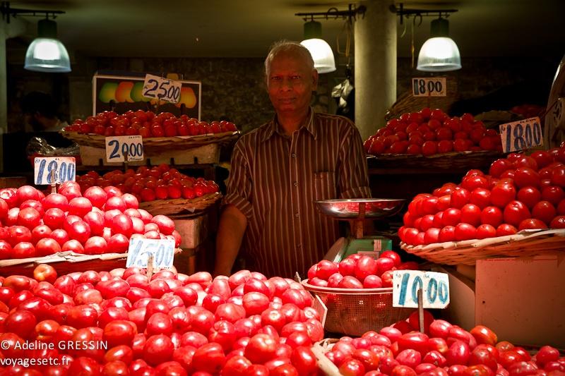 Marché de l'ile Maurice - Monsieur tomates