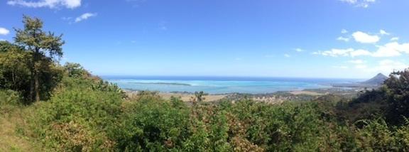 vue panoramique sur l'ile Maurice depuis Macabé