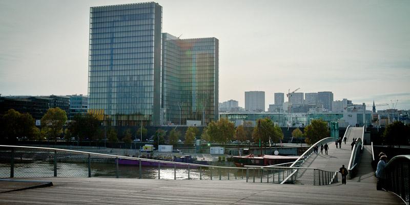 Paris Bercy - vue sur la BNF depuis Passerelle Simone de Beauvoir