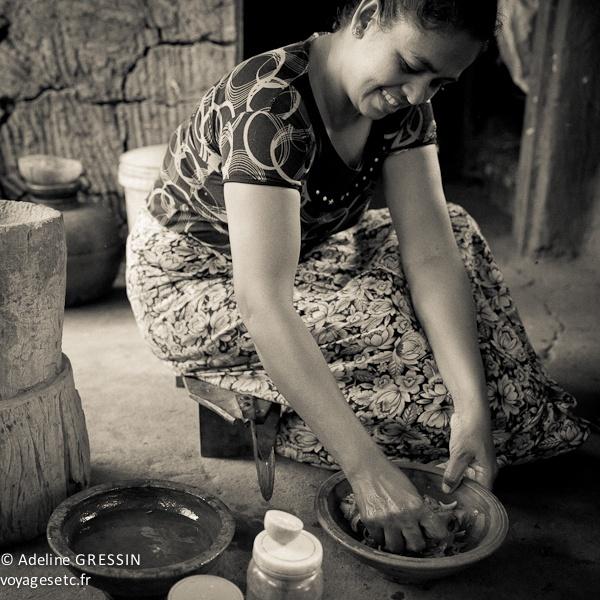 Sourire du Sri Lanka - préparation de la salade