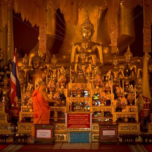 Jour de ménage au Wat Phra Singh