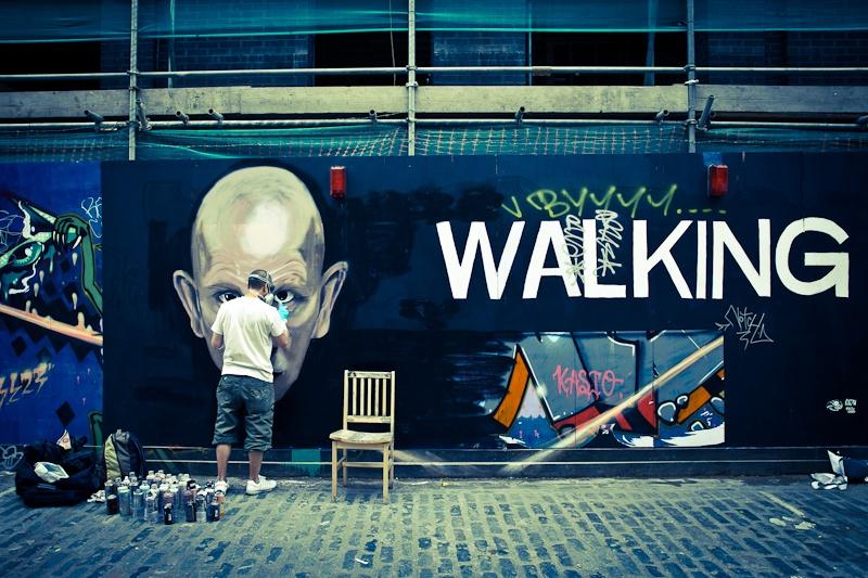 Street art a Londres - L'homme et son matos
