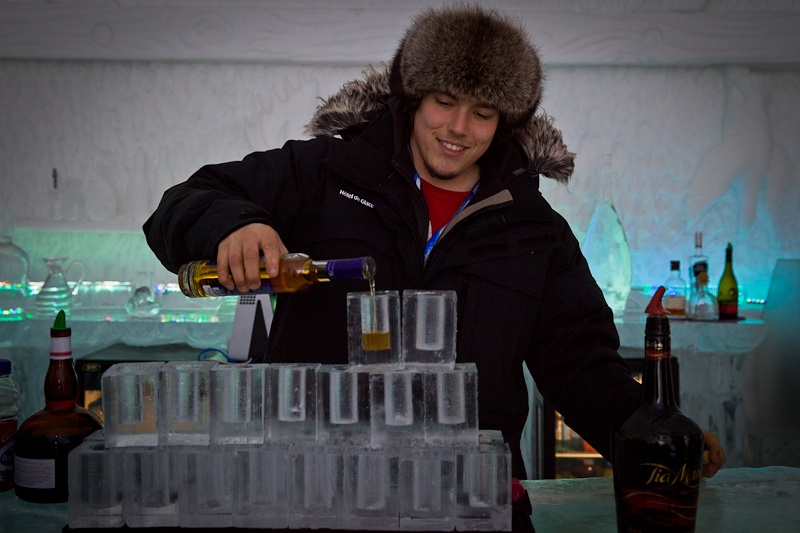 Hotel de glace - barman