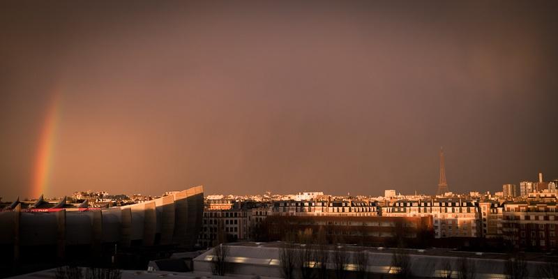 Arc en ciel sur la tour eiffel Paris