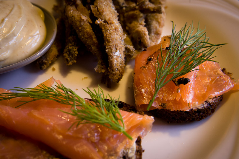 Helsinki - saumon fumé marché couvert Kauppahalli Saluhall