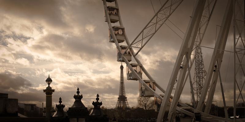 La tour Eiffel et la grande roue - Paris