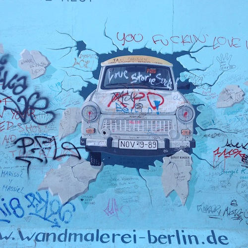 Visiter Berlin East side Gallery Berlin - Cote face