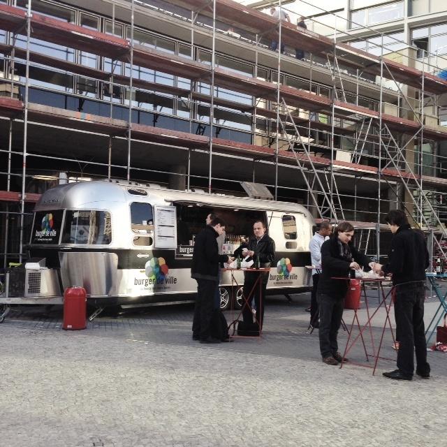 Visiter Berlin - Food truck 25 bikini hotel berlin