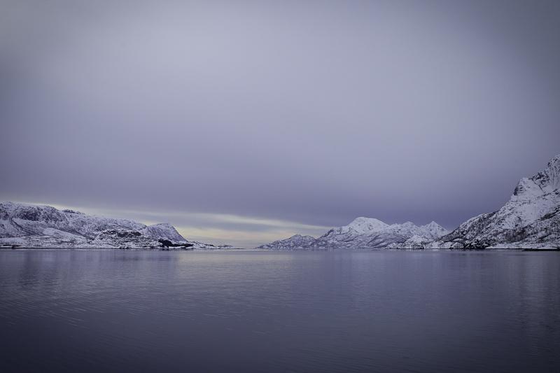 Norvege Safari des mers lofoten - A l'entrée de Trollfjord