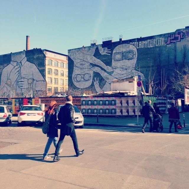 Visiter Berlin street art - Blu et JR