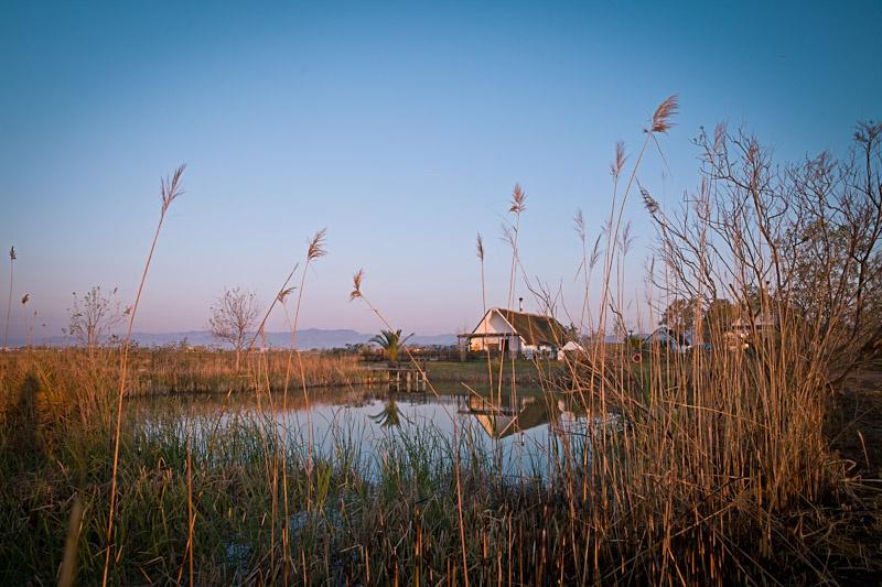 Ecotourisme en catalogne - Baraca traditionnelle du delta de l'ebre
