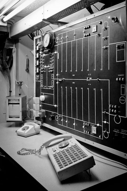 Visiter un bunker - Console de sécurité du bunker