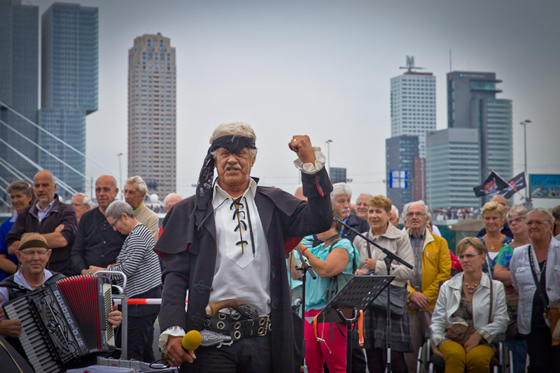 Rotterdam - le chef des pirates journees mondialies portuaires 2014