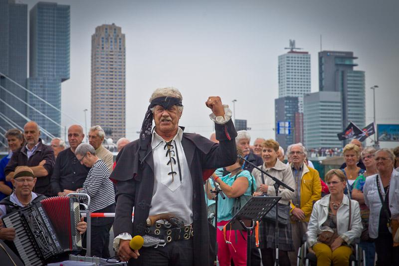 Rotterdam - le chef des pirates journees mondialies portuaires 2014