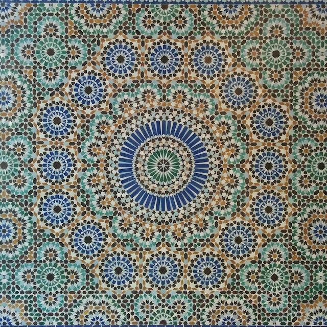 voyager en france - détail patio mosaique mosquee de paris