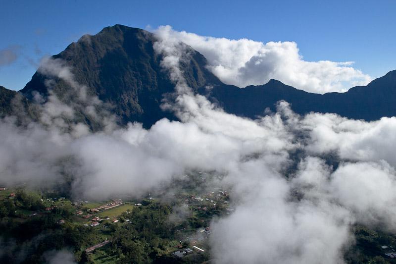 La réunion vue du ciel - au-dessus des nuages