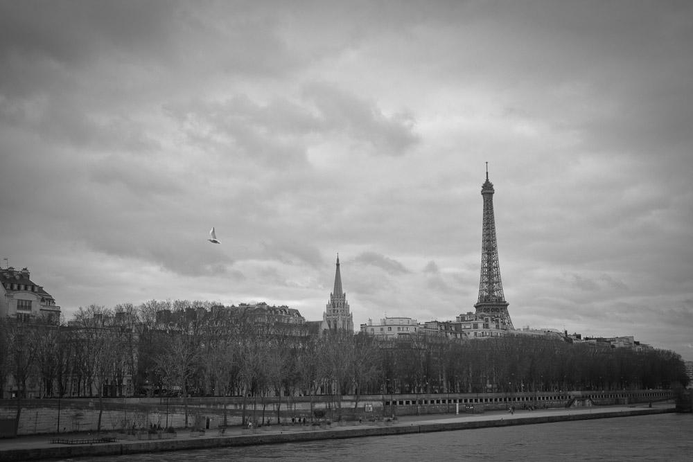 Paris en noir et blanc vue sur la tour Eiffel