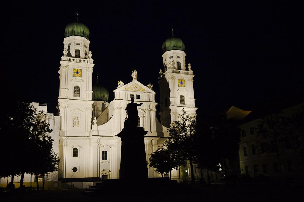 Passau Allemagne - Cathédrale Saint etienne de nuit