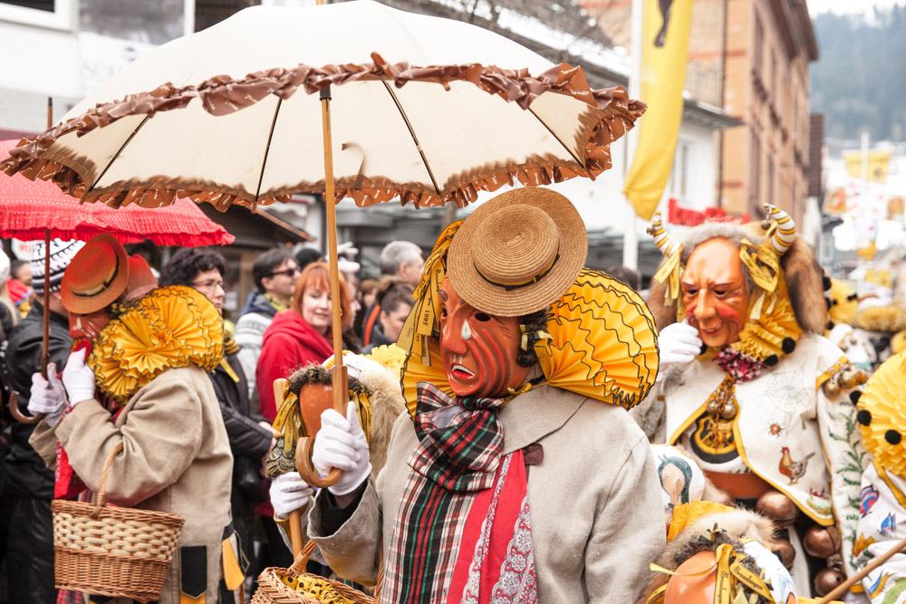Personnage du carnaval traditionnel de Schramberg allemagne foret noire