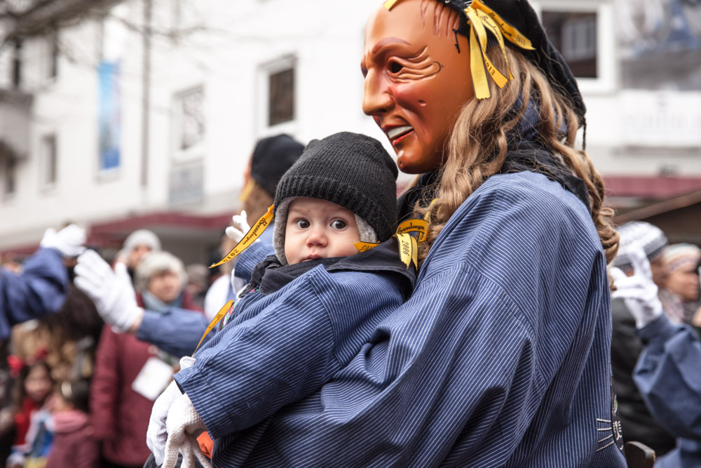 Carnaval traditionnel en Allemagne en famille