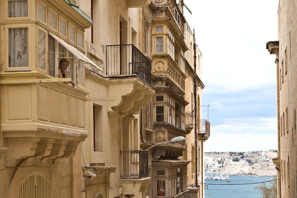 Sourire au Bow-window Malte