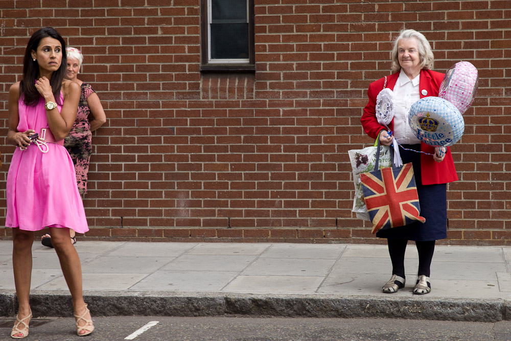 royal baby : fan de la couronne vs journalistes