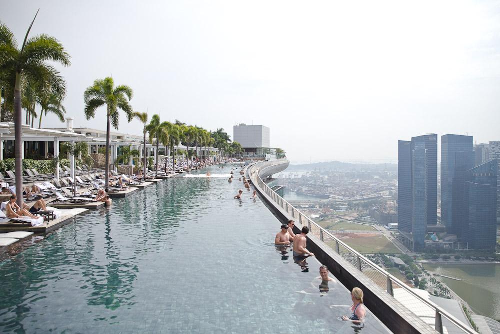 Que faire à Singapour ? Aller voir la piscine la plus haute du monde au Marina Bay Sand