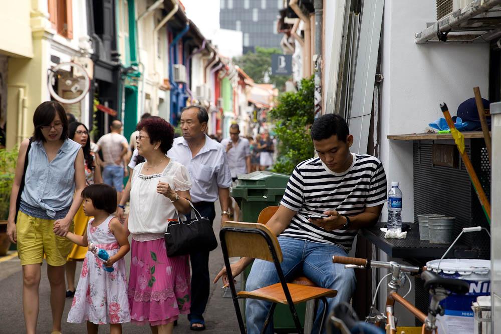Que faire à Singapour ? shopping sur haji lane, un quartier plus traditionnel pour faire du shopping. A préférer aux grands centres commerciaux.