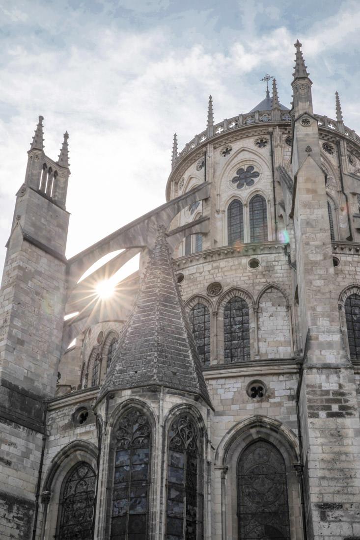 Coucher de soleil sur la cathédrale de Bourges