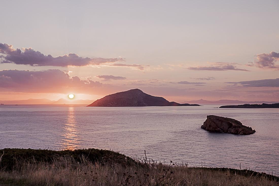 Athènes Grèce - coucher de soleil sur la mer égée