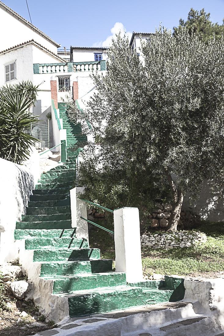 Les jolis escaliers verts d'hydra